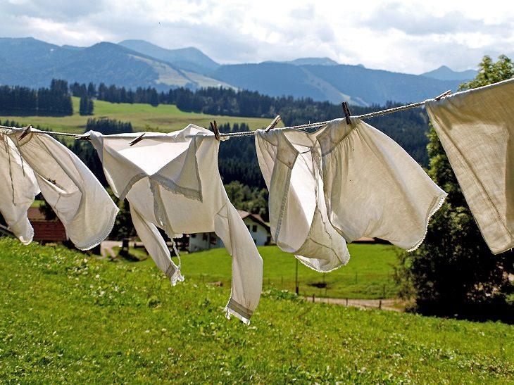 9 formas de tirar mancha de óleo da roupa