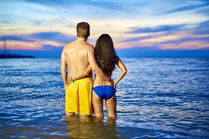 praia: marido chama mulher de corpinho de máquina de lavar