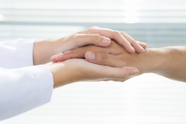 segure a mão