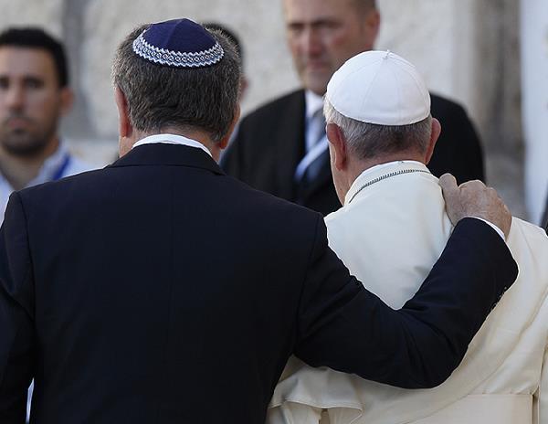 Piada: O papa e os judeus