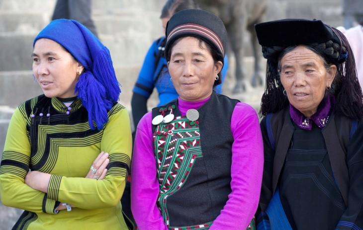 Piada: 3 mulheres da aldeia