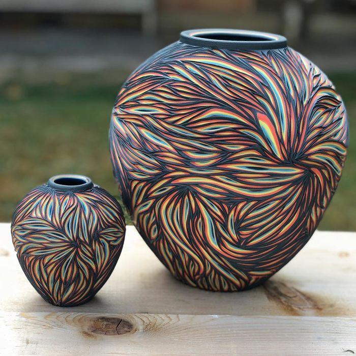 Cerâmica entalhada