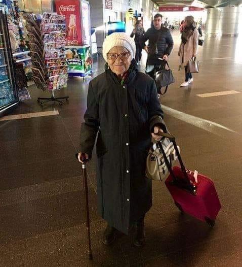 Piada: A velhinha no hotel chique