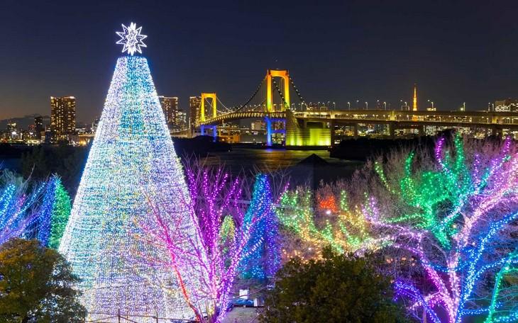 Belíssimas árvores de Natal Tóquio Japão