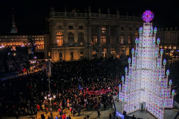 Belíssimas árvores de Natal Turim, Itália