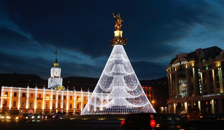 Belíssimas árvores de Natal Tibilisi, Geórgia