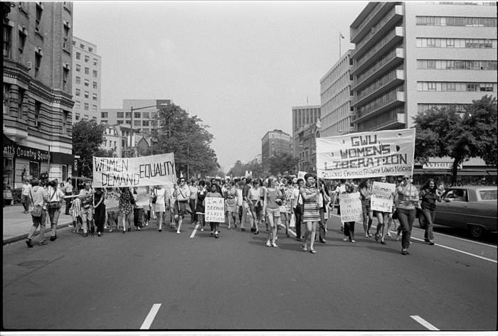 Coisas da década de 70 Passeata de mulheres