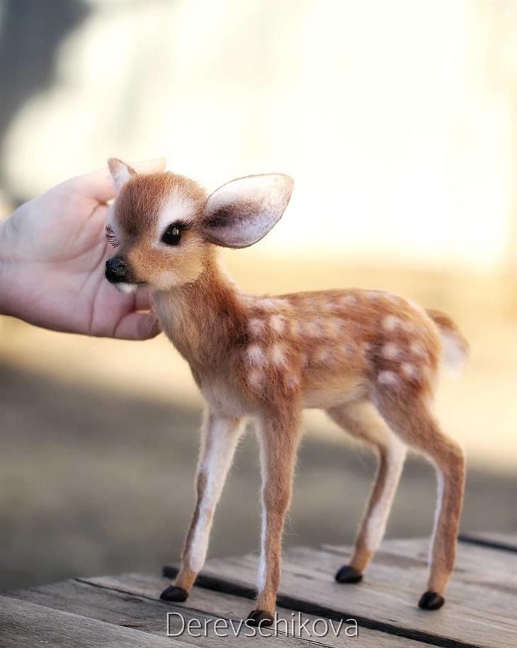 Animais de feltro cardado - cervo