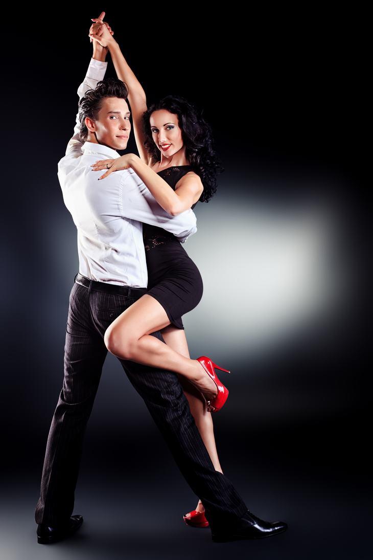 Estereótipos latinos-bailarinos
