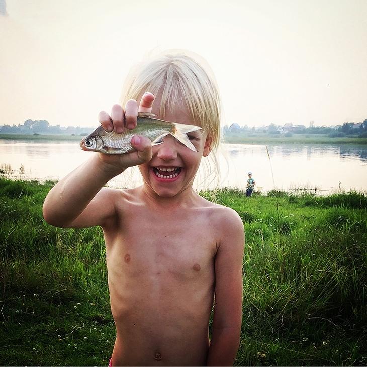 2º Lugar, categoria Crianças,Kirill Voynovskiy da Rússia - Olha pai! (feitaem São Petersburgo, Rússia)