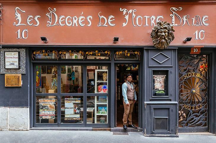 Lojinhas de rua em Paris  Avijit Ghosh recebe pessoas apaixonadas por arte no hotel que administra