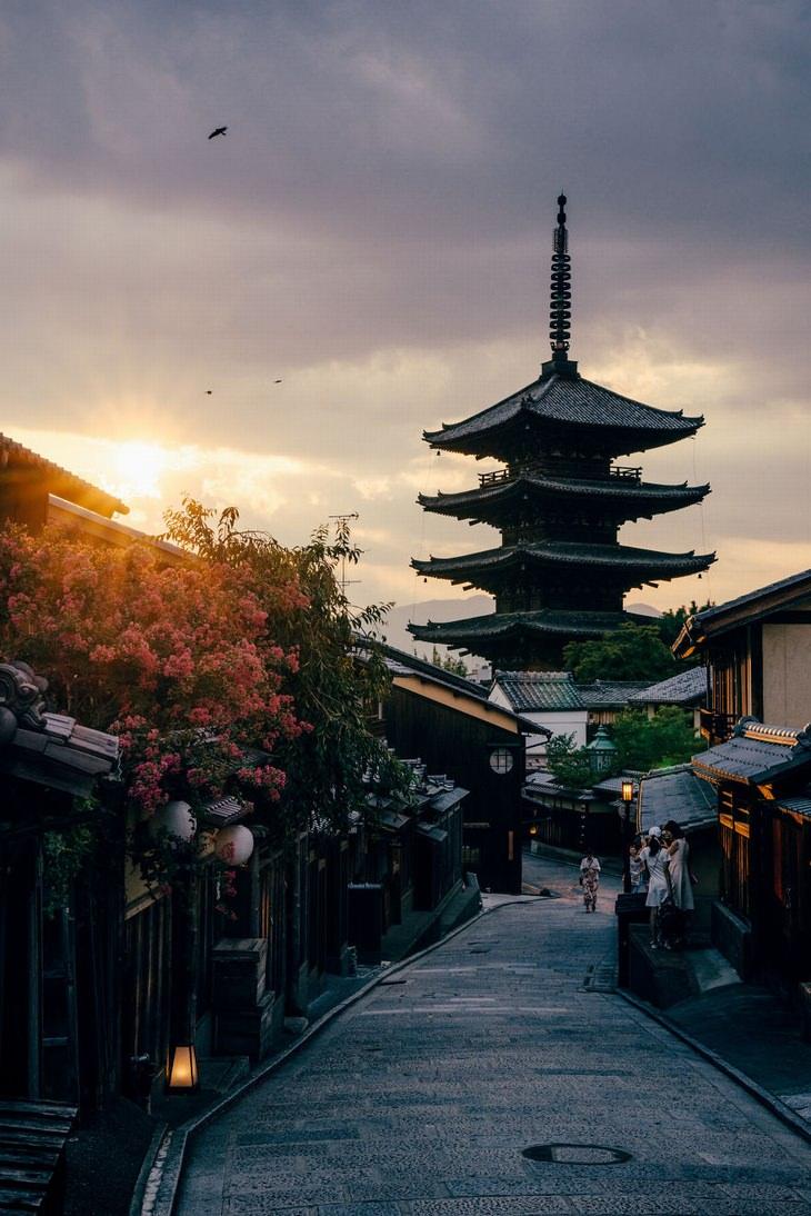 yasaka tower kyoto