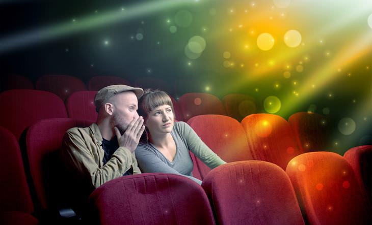 Piada: Os namorados no cinema
