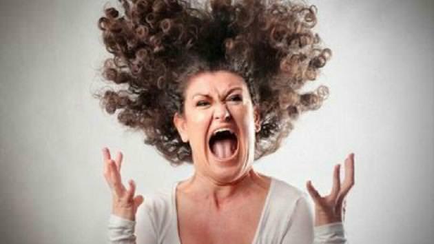 Piada: Mulher furiosa