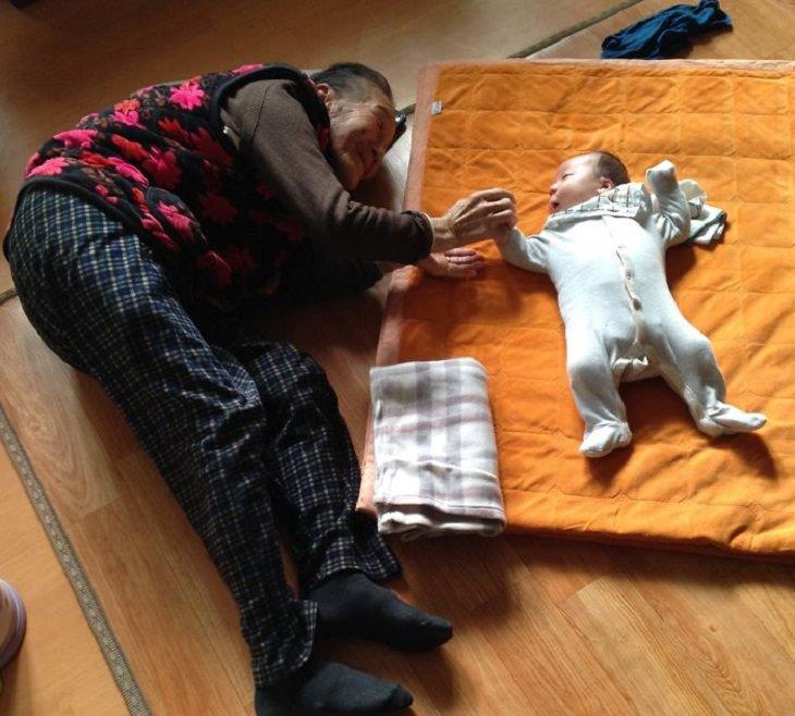 Comparações espantosas bebê e bisavó