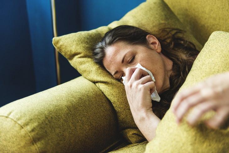 Efeitos de longo prazo da Covid-19 mulher doente