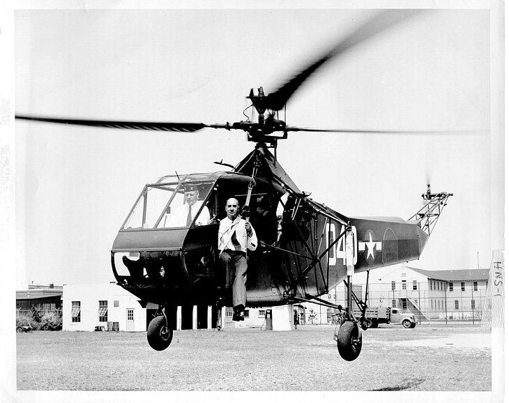 Sikorsky R-4, o primeiro helicóptero produzido em massa