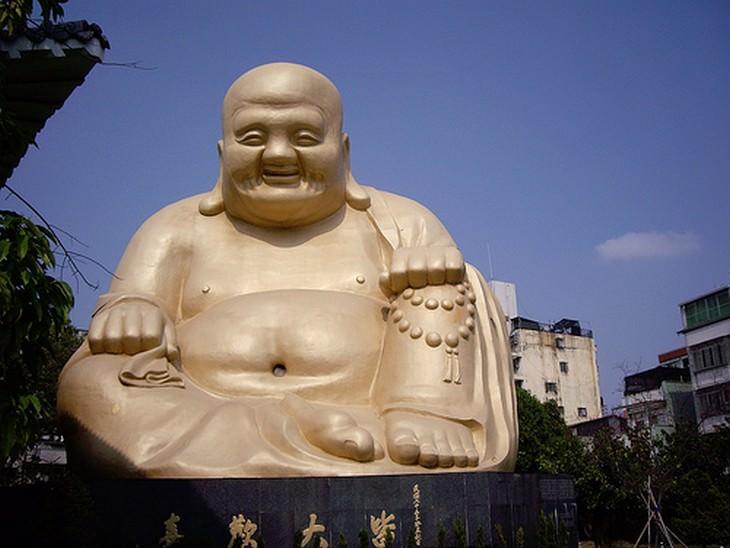 6 personagens históricos deturpados Buda
