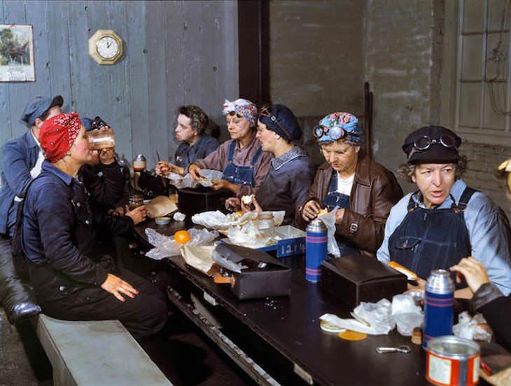 Fotos históricas retratando os EUA da década de 1940 em cores vivas