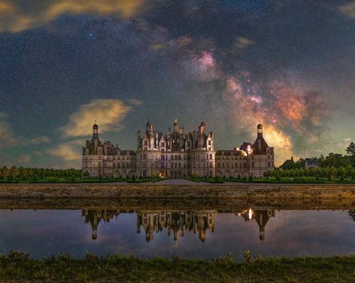 Astronomy Photographer of the Year Finalists 2.Château de Chambord, deBenjamin Barakat, Reino Unido