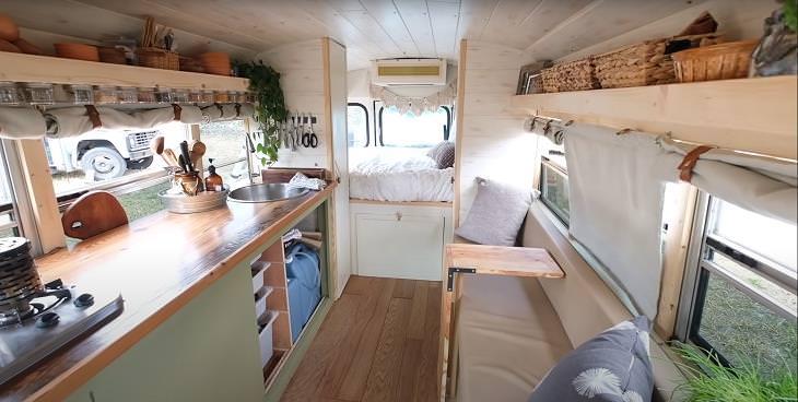 ônibus é transformado numa casinha elegante