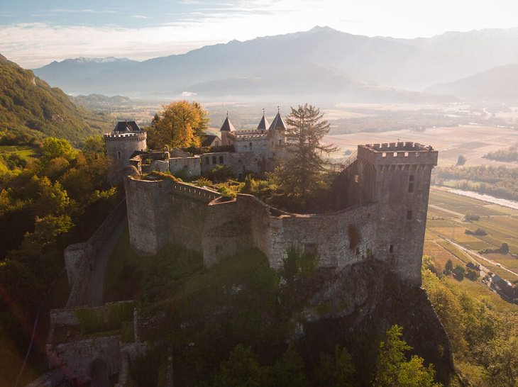 Castelos mágicos, The Fortress of Miolans,
