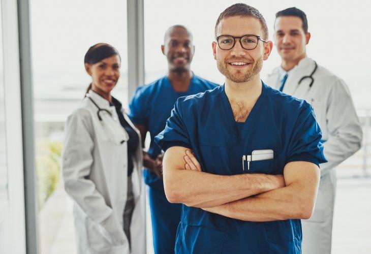 Piada: Uma conversa entre médicos