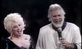Um dueto romântico com Dolly Parton e Kenny Rogers