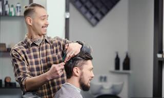 Piada do Dia: O Barbeiro e um Cliente Estranho...