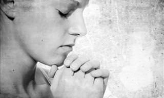 Essas 8 Orações Lhe Ajudarão a Encontrar Sua Paz Interior!
