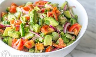 Receita do Dia: Salada de Tomates, Pepino e Abacate!