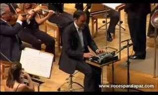 Assista a Este Inusitado e Divertido Concerto!