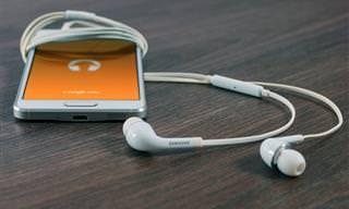 Aprenda a usar os fones de ouvido corretamente