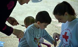 Aprenda 4 Passos Para Ensinar a Caridade e a Generosidade às Crianças!