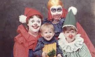Fotos de família podem ser MUITO estranhas