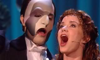 Clássico musical: O Fantasma da Ópera legendado em português