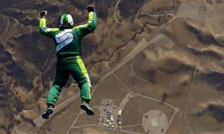 RADICAL: Homem salta de avião sem paraquedas!