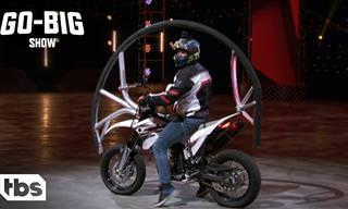 Veja as mais insanas acrobacias em uma motocicleta