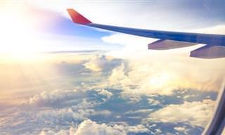 Piada: Dois caipiras num avião