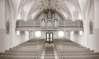 Piada: Dormindo na Igreja