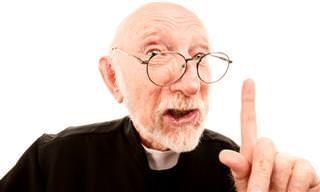 Quando um Padre Tenta Enterrar um Burro...