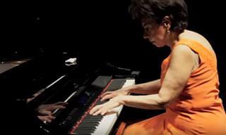 Você já ouviu o hino da nossa pátria amada tocado no piano?