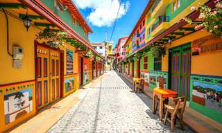 Guatapé: A Cidade Mais Colorida do Mundo