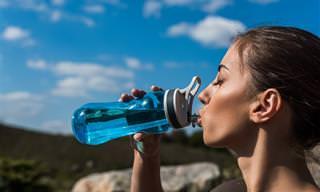 Por que beber água demais é perigoso?