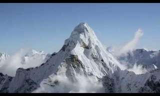 Embarque Neste Espetacular Voo Sobre os Himalaias!