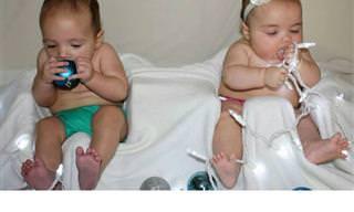 Esses Bebês Nem Sempre Saem Tão Fotogênicos No Natal...