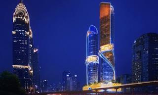 Este Hotel em Dubai Tem Floresta Tropical e Piscina no Topo