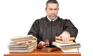 Piada: Um Mau Dia Para Ser um Juiz