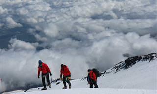 Piada: O político que escalou o monte Everest