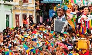 Festejando o Carnaval Mundo Afora...